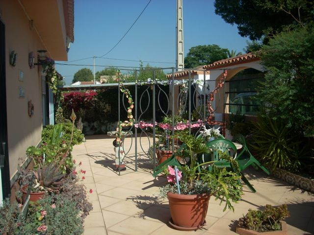 REDUCED Nice Pedralba Villa With Cool Gardens